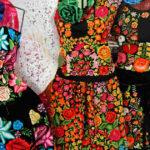 可愛いメキシコ刺繍といえば、オアハカの南部イスモの民族衣装!