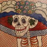 「世界で最も有名な骸骨・カトリーナ」の驚きの正体と、誕生秘話