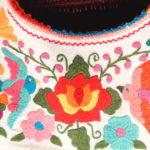 メキシコらしいカラフルな花柄の「プエブラ刺繍」が可愛い!