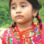 お祭りで見られる、メキシコの民族衣装を着た子供たちが可愛い